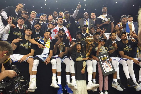 89adef19d Zaza Pachulia becomes Georgia s first NBA champion
