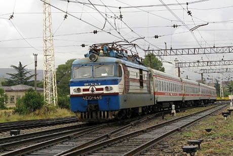 Hundreds of Georgian Railway workers go on strike