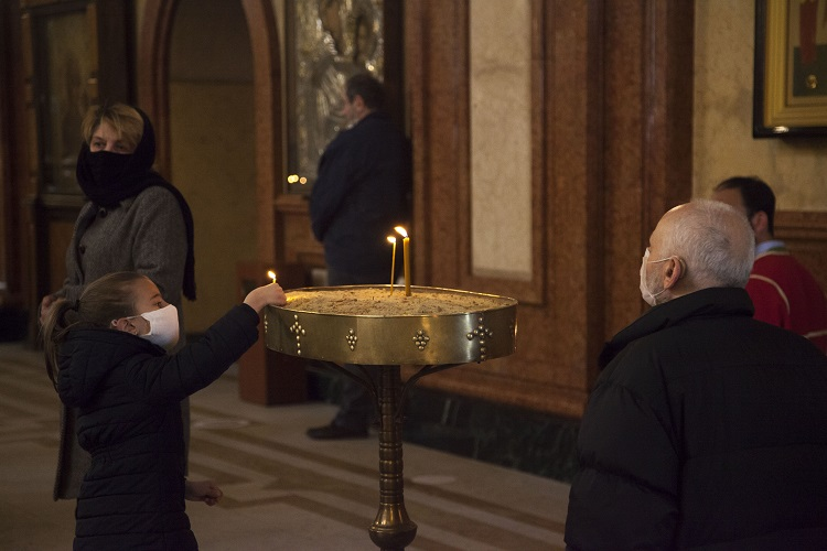Bulgarian Christians celebrate Easter amid coronavirus outbreak